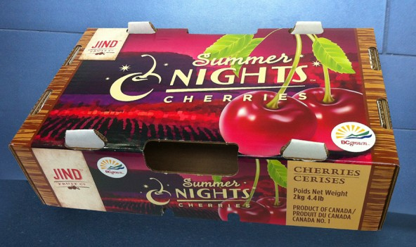 The 4lb Summer Nights Cherries export box, flying off the shelves at supermarkets from BC to Ontario, and all the way to India. This smaller export box is printed full colour on white card stock. Click the photos to see a larger version.